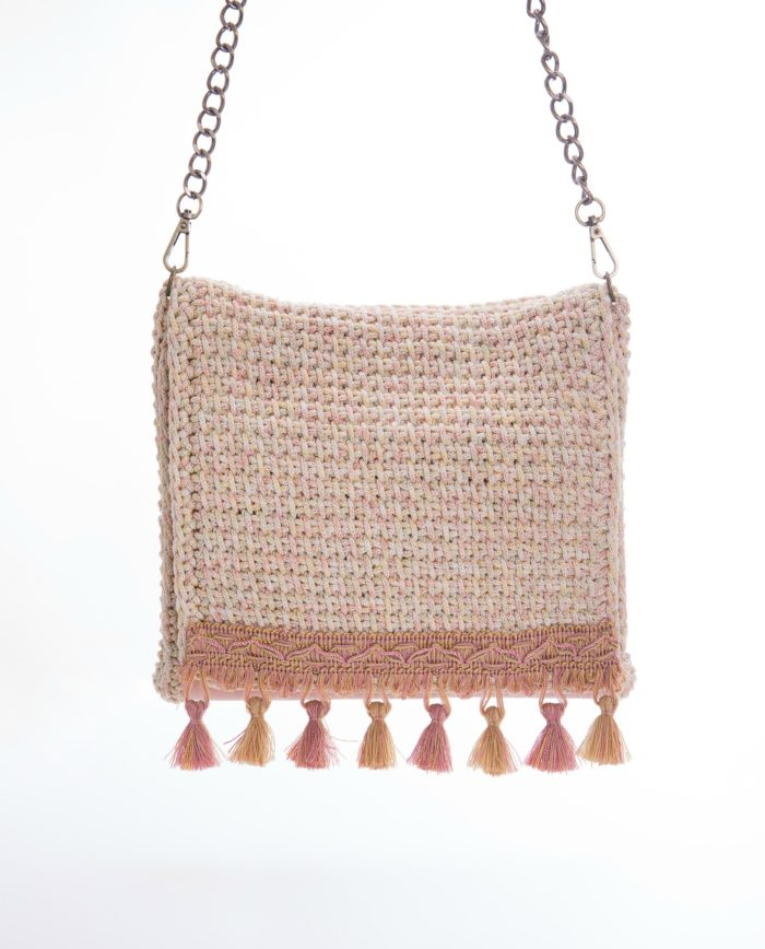 crochet shoulder bag in pink
