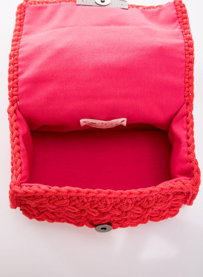 red handmade crochet flapbag inside vew