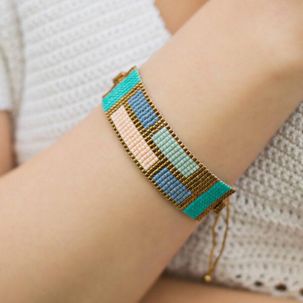 pop beaded bracelet