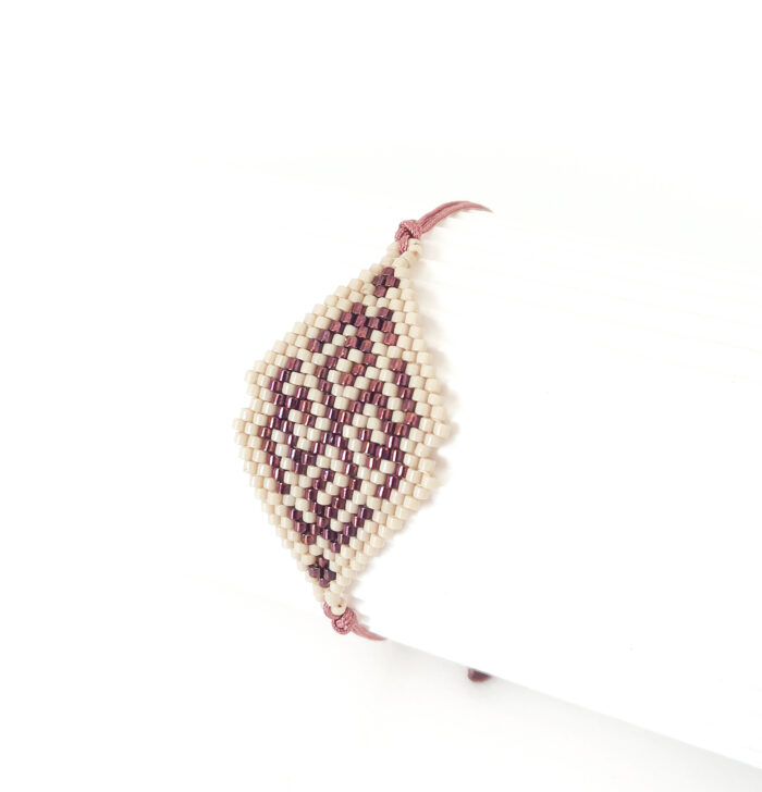 rhombus beaded bracelet in beige red metallic