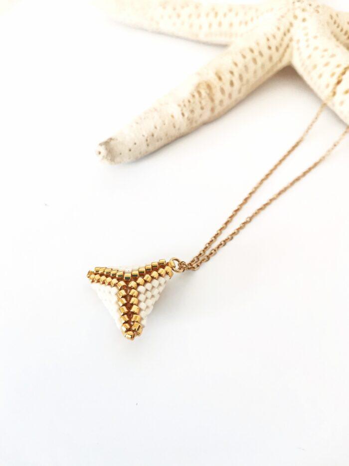 small 3D beaded pendant