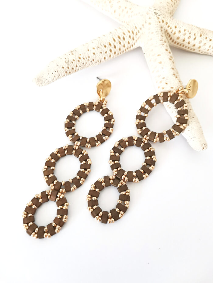 Circles long earrings in brown and gold
