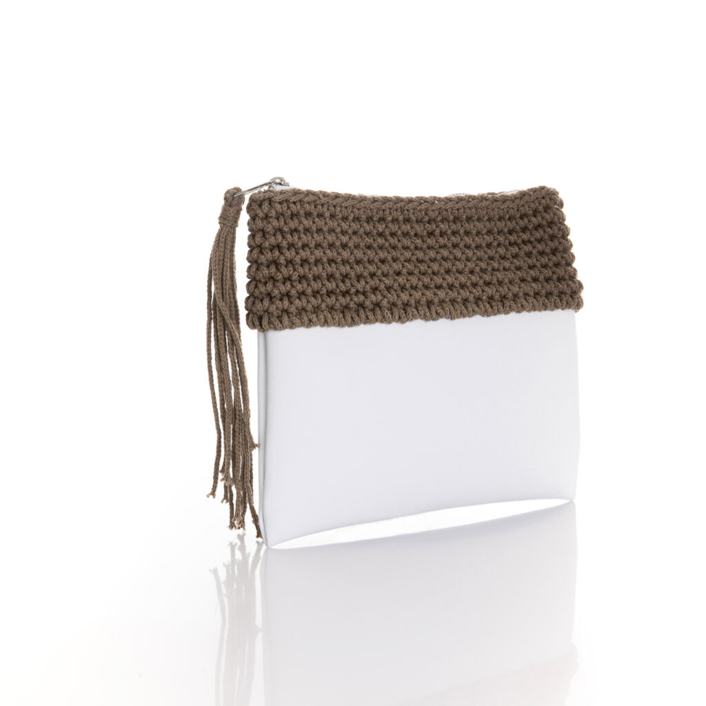 zipper mini bag made of white eco leather and brown chocolate cotton yarn