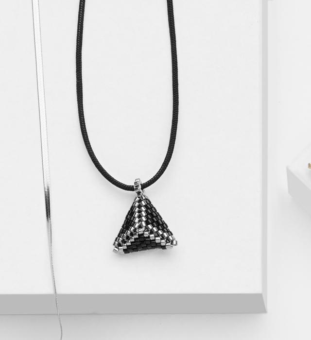 3D mini beaded pendant